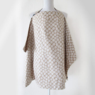 Reversible nursing cover in beige with white dots
